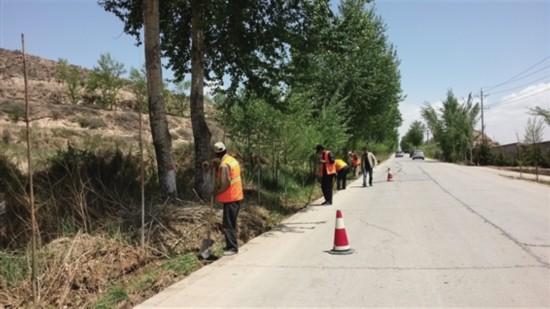 加大农村公路养护力度