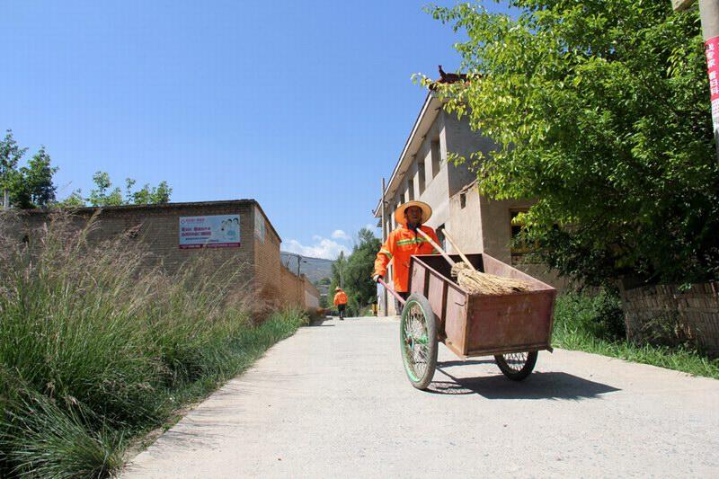 6月12日,走进青海省民和县核桃庄乡的安家村和李二堡镇的寺儿庄村
