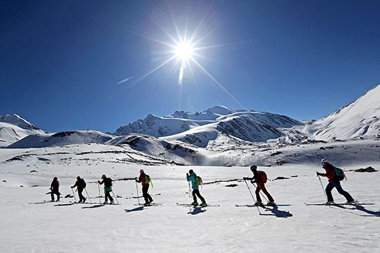 岗什卡首届高海拔世界滑雪登山大师赛落幕
