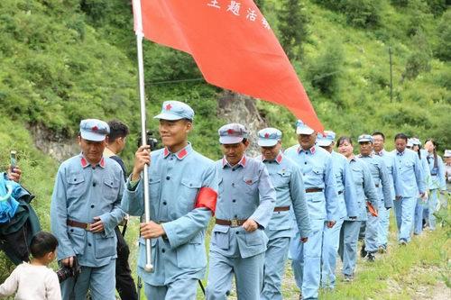 班玛县举行庆祝建军91周年暨民族团结进步创建系列活动