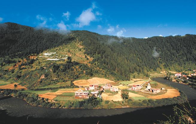 百年风华看碉楼——班玛藏式民居大观