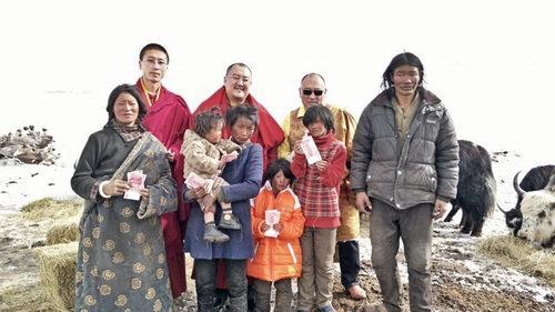 西安广仁寺支援玉树雪灾
